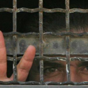Table d'écriture de lettre aux prisonniers et prisonnières palestinien.ne.s